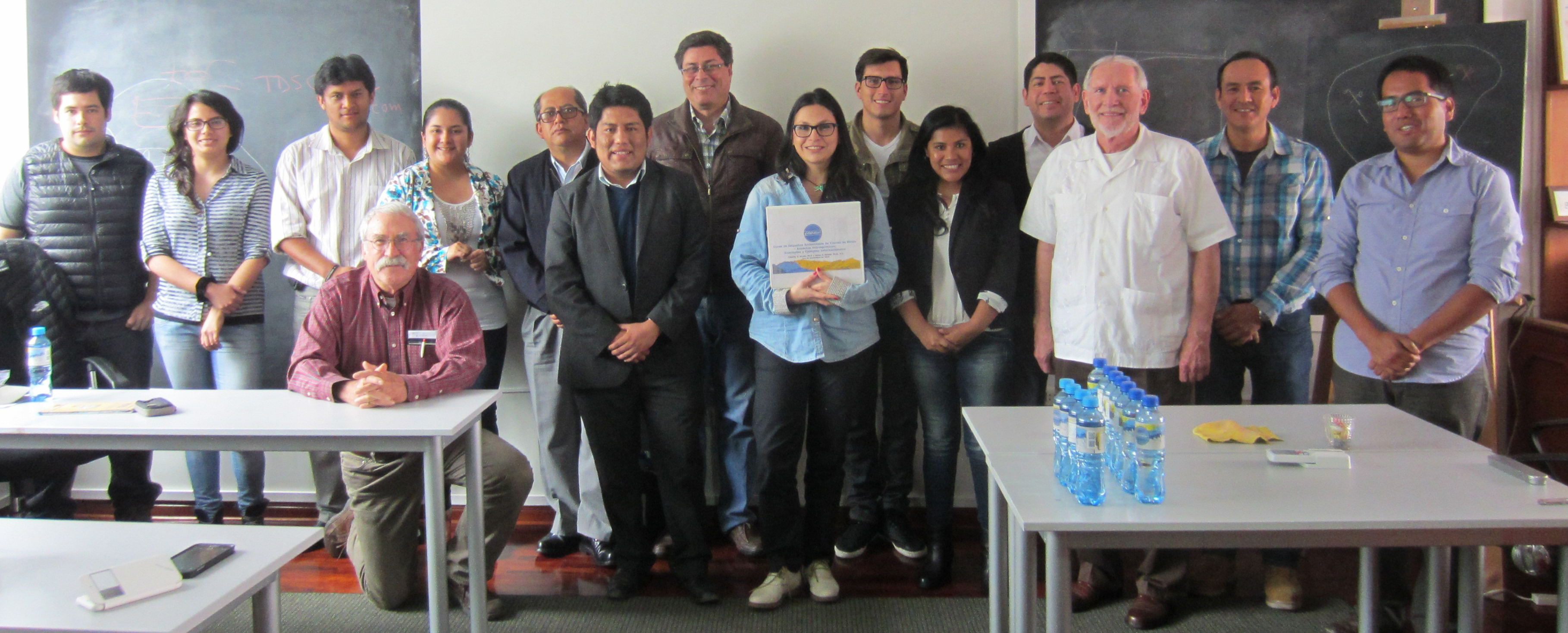 Tim (kneeling on the left) with his class in Lima.