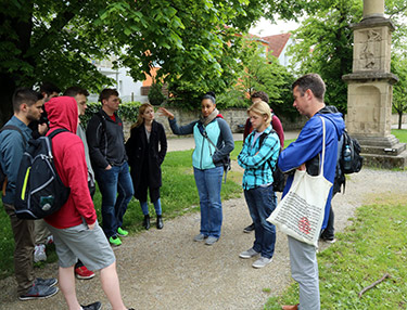 Professor of history Sabrina Thomas explains the Roman settlements in southern Germany.