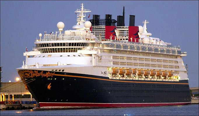 disney-magic-cruise-ship