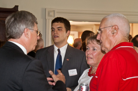 Dick Griesser and his wife talk to the President at a class agent meeting in 2008